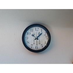 30% DTO. Reloj de pared Cubiertos