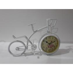 20% DTO. Triciclo vintage con reloj mediano